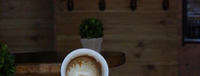 Refill Coffee is one of Lieux sauvegardés par Queen.