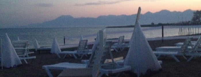 Roma Beach Club is one of Antalya Etiket Bonus Mekanları 🌴🍁🍃.
