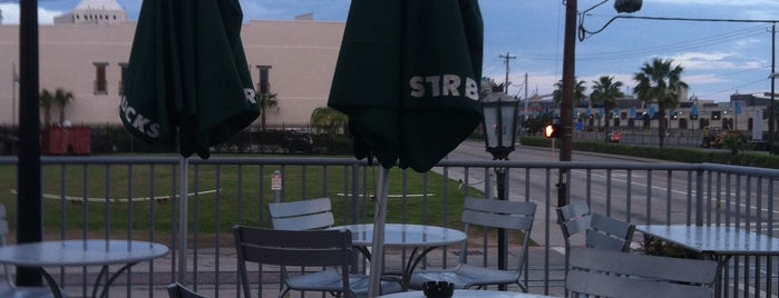 Starbucks is one of Locais curtidos por Mike.