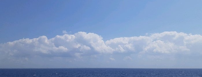 Mar Caribe is one of Víctor : понравившиеся места.