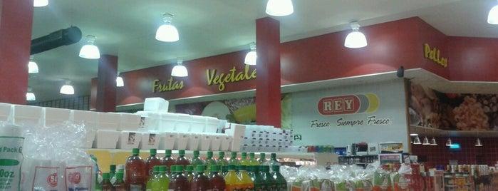 Supermercados Rey is one of Tempat yang Disukai Ricky.