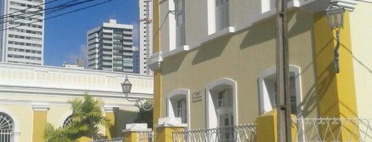 UNINASSAU - Centro Universitário Maurício de Nassau is one of Locais curtidos por Marcelo.