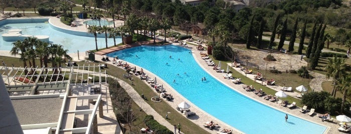 Barut Lara Resort is one of Antalya Etiket Bonus Mekanları 🌴🍁🍃.