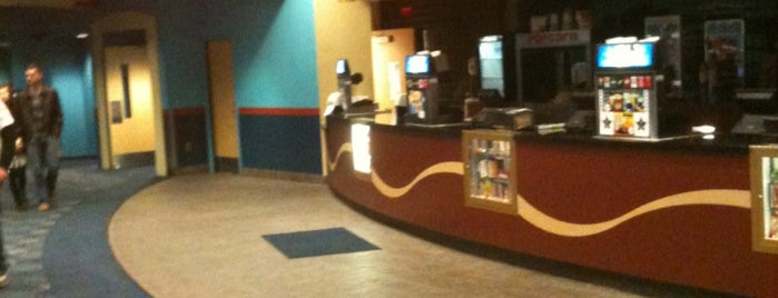 Carousel Cinemas at Alamance Crossing is one of Tempat yang Disimpan David.