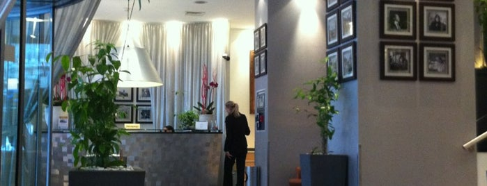 Hôtel Auteuil Manotel is one of Business trip hotels.