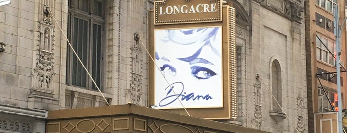Theater District is one of Lugares favoritos de Lindsaye.