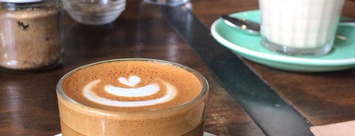 Cafe Kentaro is one of Tempat yang Disukai Ethan.
