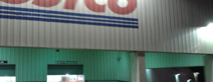 Costco is one of Locais curtidos por Fernando.