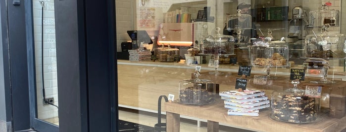 Sil's Cakes is one of Barcelona.
