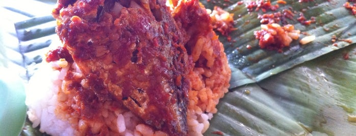 Ali Nasi Lemak is one of Penang Food Guide.