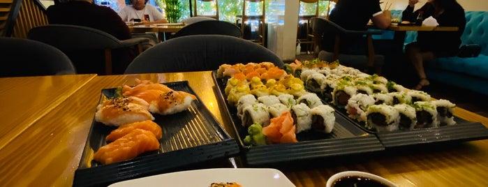 Samurai Sushi & Grill is one of Gespeicherte Orte von Omar.