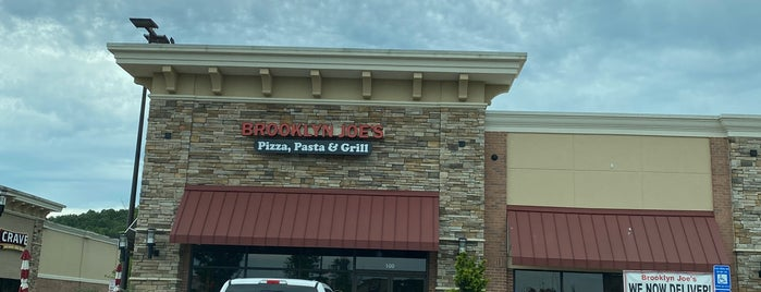 Brooklyn Joe's Pizza, Pasta & Grill is one of Lugares favoritos de Kyle.
