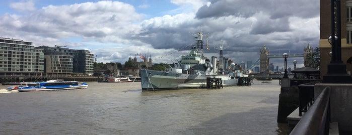 London Bridge City Pier is one of Tempat yang Disukai Ricardo.
