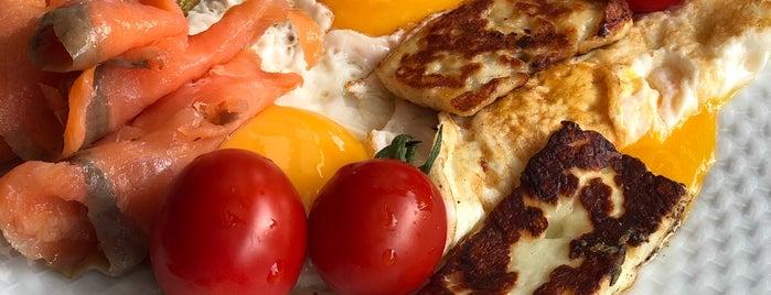 Dolce Vita Restaurant is one of Veronika : понравившиеся места.