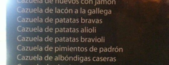 Las Cazuelitas is one of Madrid: Comer y beber..