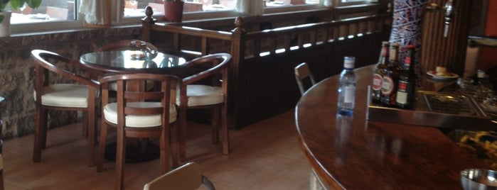 """Hotel - Restaurante """"Praia De Quenxe"""" is one of Nueva lista."""