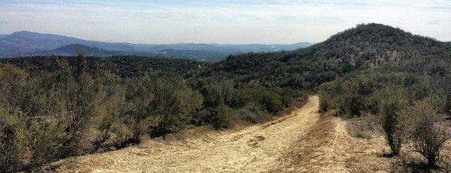 Daley Ranch - Cougar Pass Trailhead is one of สถานที่ที่ John ถูกใจ.