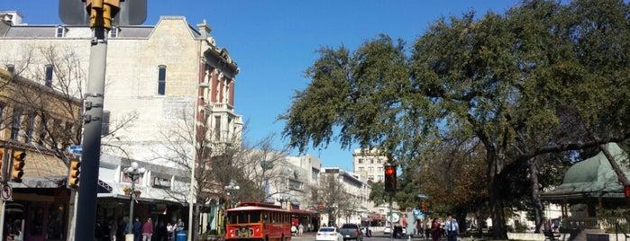 Alamo Trolley is one of สถานที่ที่บันทึกไว้ของ Kat.