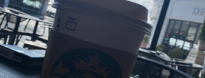 Starbucks is one of Lieux qui ont plu à k&k.