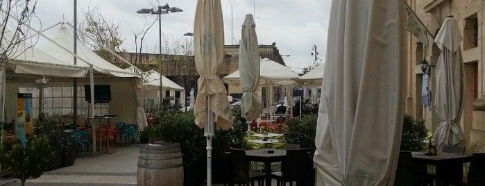 Hard Rock Bar Malta is one of Tempat yang Disukai özcan.