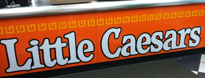 Little Caesars Pizza is one of Locais curtidos por Alan.