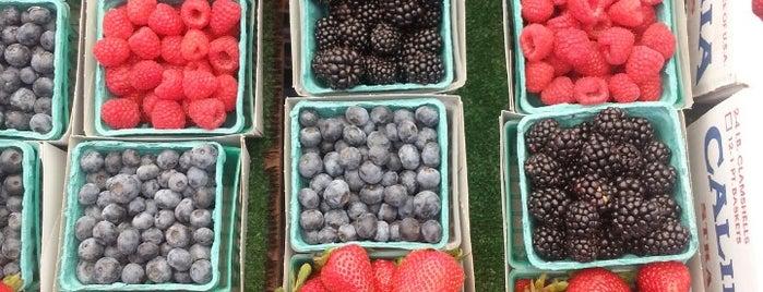 Long Beach Southeast Farmers' Market is one of Eat Well.