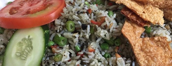 Merit Vegetarian is one of Tempat yang Disimpan Cheryl.