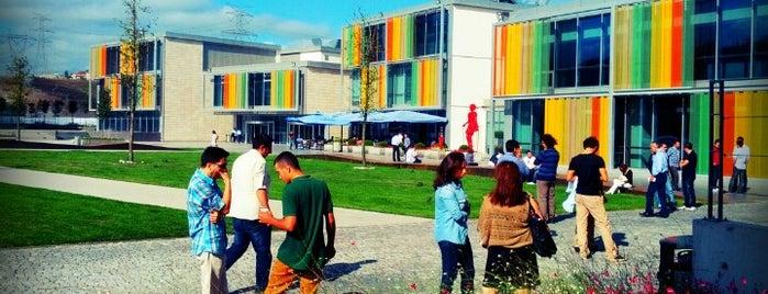Özyeğin Üniversitesi is one of Lieux qui ont plu à Segah.