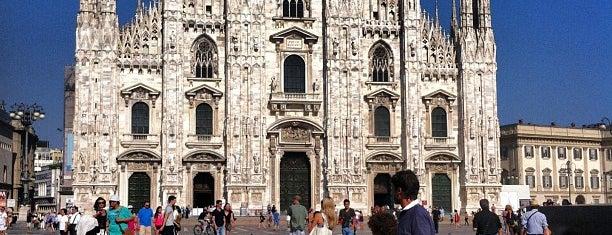 Plaza del Duomo is one of Sitios Internacionales.