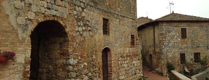 San Gimignano is one of Lieux qui ont plu à Elizaveta.