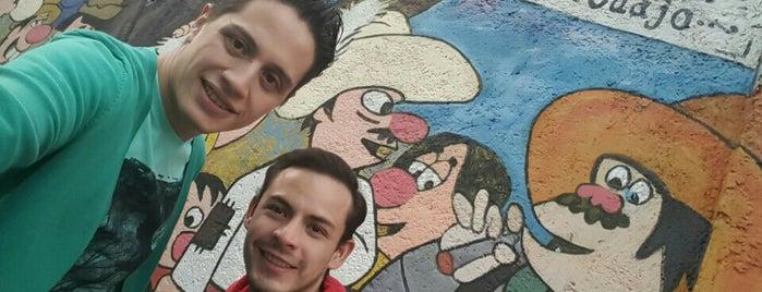 """Mural """"Sueño De Una Tarde De Domingo En El Callejon Del Cuajo"""" is one of Posti salvati di Alejandra."""
