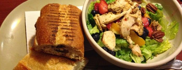 Panera Bread is one of Locais salvos de Stewart.