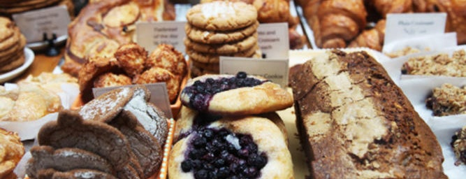 Huckleberry Cafe & Bakery is one of 72 hours in Los Angeles.