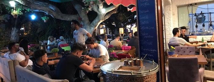 Caffe Luıgı is one of Locais curtidos por Mehmet.