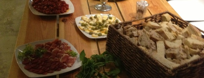 Cor de Terra is one of Lisboa - Lunch & Dinner.