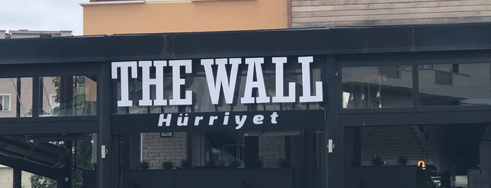 The Wall Hürriyet is one of Lugares favoritos de Murat.