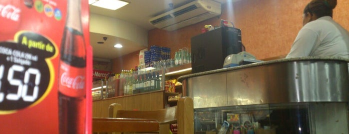 Santa Marta Delicatessen is one of Melhores Confeitarias, Padarias, Cafés do RJ.