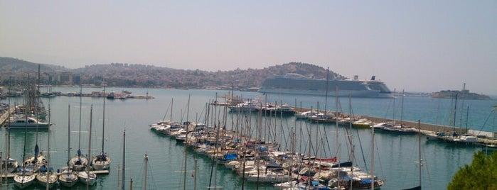 Kısmet Hotel is one of Bengü Deliktaş'ın Beğendiği Mekanlar.
