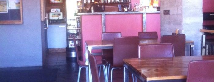 Reina Cafe is one of Restorāni,bāri,klubi LV.
