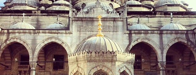 Mosquée neuve is one of Istanbul.