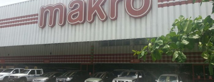 Makro is one of Clauさんのお気に入りスポット.