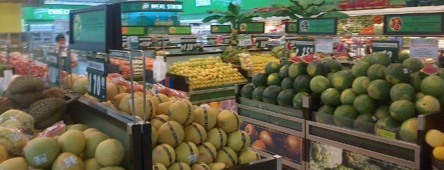 Robinsons Supermarket is one of Jude 님이 좋아한 장소.