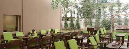 "Le Jardin is one of ""biscotto members card"" Cafe-Bars."