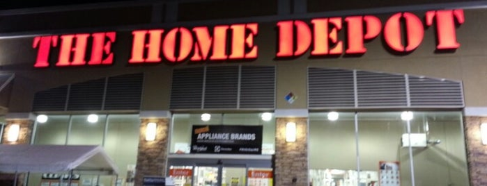 The Home Depot is one of Lieux qui ont plu à Vanessa.