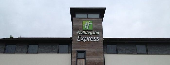 Holiday Inn Express is one of Orte, die Hamed gefallen.