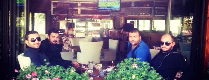 Bahcezâde FLORYA is one of Posti che sono piaciuti a Gökçe.