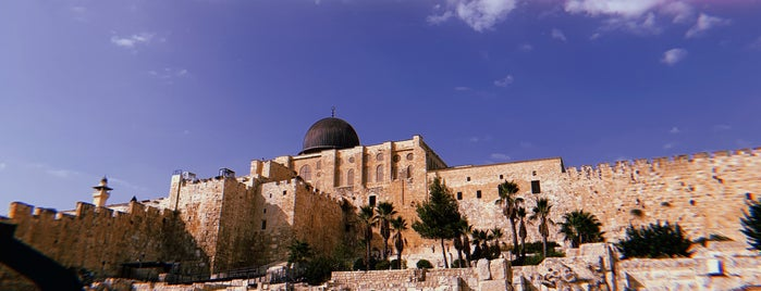 The Jewish Quarter of the Old City of Jerusalem (Rova Yehudi) is one of Andrew : понравившиеся места.