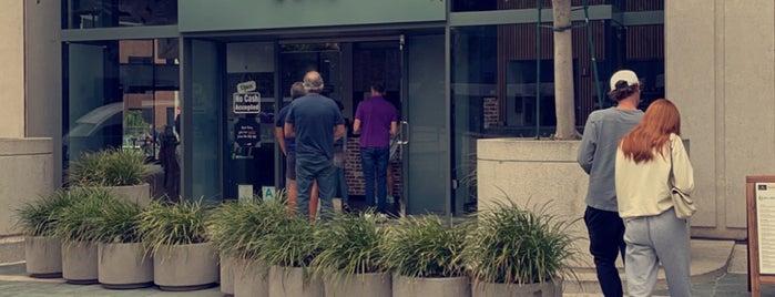 Blu Jam Cafe is one of Lugares favoritos de Deep.