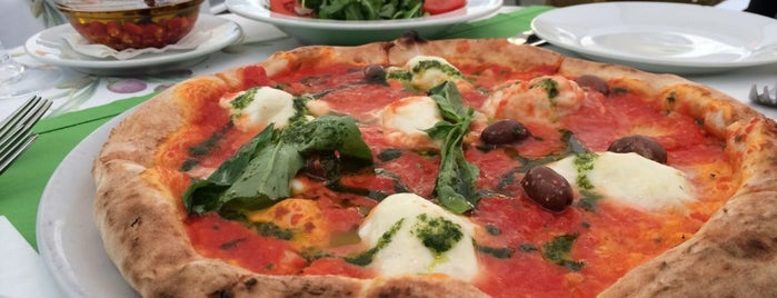 Pizzeria Regina Margherita is one of Orte, die Ali gefallen.
