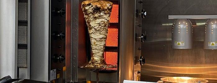 California Shawarma is one of สถานที่ที่ Rj ถูกใจ.